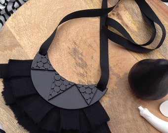 "Black-on-black statement necklace ""Jewels"""