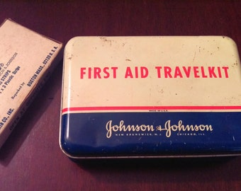Vintage Johnson & Johnson First Aid Travelkit ~ Made in USA ~ 1950s Red Cross