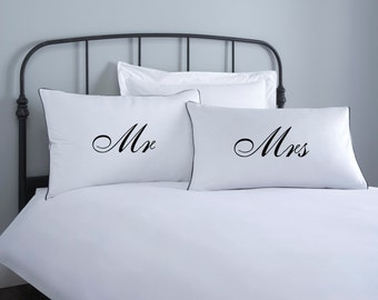 Mr & Mrs Pillowcase set - 2 pillow covers - home wedding gift - engagement gift - anniversary gift - couple pillowcase - white pillowcase