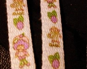 Vintage 1980's Strawberry SHORTCAKE. Raspberry Tart Shoe Laces!!RARE Hard to Find item!!