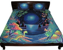 """King-Size Bedset """"Space Jungle"""" Duvet cover + 2 pillowcases, Hand-painted UV-active, Trippy, psychedelic bedding. Quilt cover, Homewear"""