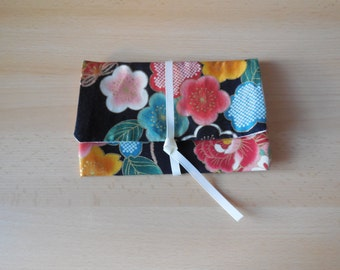 SALES-20% pouch in black Japanese fabric flower