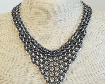 V line necklace Persia