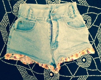 SALE High waisted 80s/90s jean shorts