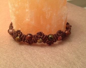 Macrame zig-zag healing stones bracelet
