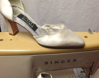 Dyeable Satin Shoes by Stuart Weitzman with rhinestones in Sz 5, Perfect for wedding, formal wear or evening wear.