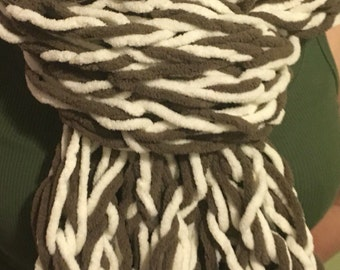 knitted scarf, brown and cream