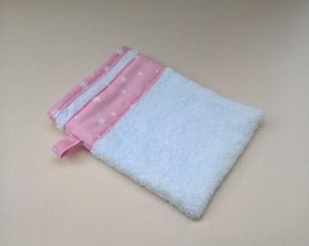 white sponge washcloth