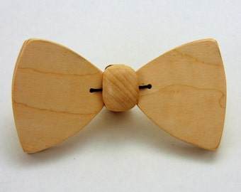 Medium - Curly Maple - Movable Wooden Bow Tie