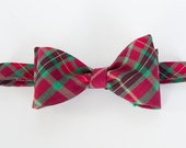 Bow tie self tie red green print mens bow tie