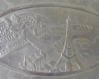 Cigarette box souvenir of the Paris universal exhibition of 1937