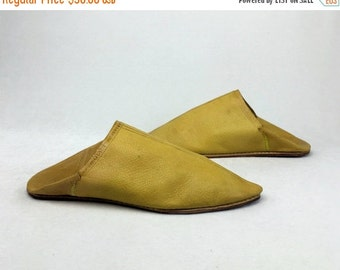 SALE25OFF Vintage Mustard Ochre Yellow Traditional Morrocan Babouche Leather Minimalist Slippers Slides Mules 8 8 1/2