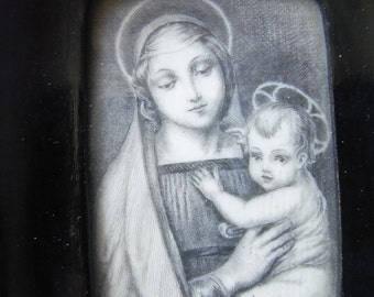 Madonna - Raphael - Miniature - Black and White - Fiorentine Style - Virgine with Child - Thin Plaque - Renaisance Pattern - Seems Raphael -