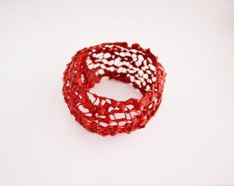 Bangle entangled red enamel