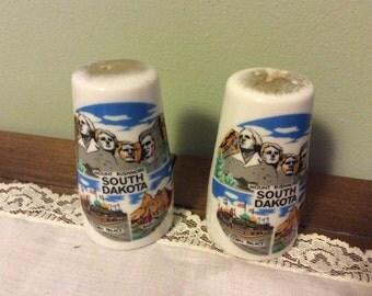 South Dekota Mount Rushmore salt and pepper shakers