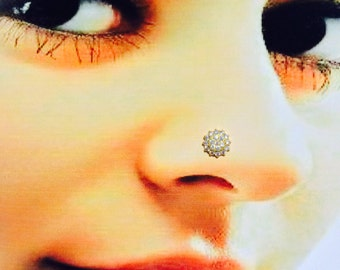 Beautiful Nose Stud in Pure Yellow Gold