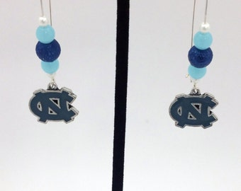1 Pair -  North Carolina Tarheels Theme Dangle Beaded Earrings Brass Ear wire Kidney Style EAR0015