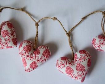 Handmade heart bunting (red & white scandi fabric)