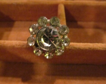 Vintage Round, Rhinestone Pin