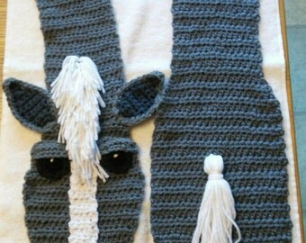 Handmade crochet horse scarf