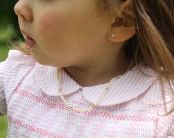 Girl necklace. 14K gold filled and Swarovski pearls necklace. Handmade jewelry. Children jewelry. Baby jewelry. Christenings, baptism gift.