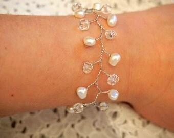 Bridal pearl and crystal bead vine bracelet, Wedding pearl and crystal vine bracelet, Wedding vine bracelet, Bridal vine bracelet, Wedding