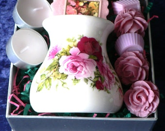 Rose Bone China Oil Burner for wax melts, essential oils or yankee tarts.