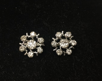 Vintage Floral Like Brooches, Set of 2, Clear Crystal Like, Silvertone