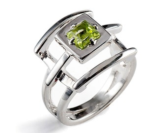 PAGODA Green Peridot Ring, Sterling Silver Gemstone Ring, Japanese Geometric Ring, Unique Silver Ring, August Birthstone Ring