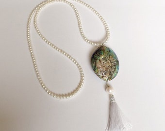 White Pearl Lariat Necklace with pendant