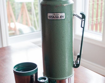 Vintage stanley aladdin thermos, metal thermos, made in USA, Green metal color.