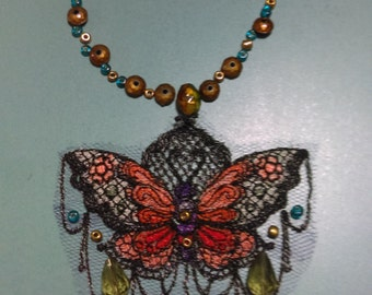 Embroidery butterfly beaded necklace