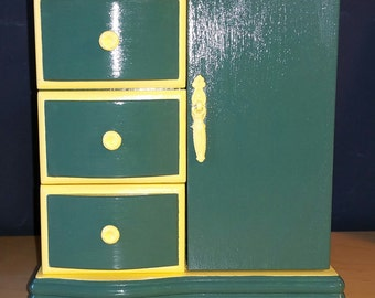 18-Inch Doll Dresser Green/Yellow