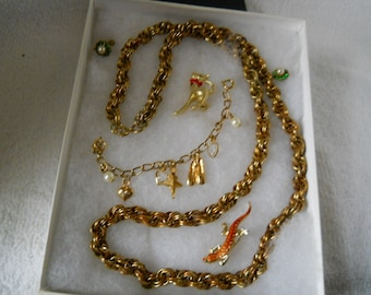 Vintage Jewelry Lot Necklace Pins Earrings #337