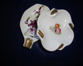 Pair of Vintage Ashtrays with Flowers and Gold Trim  Small Individual Handheld Ash Receivers
