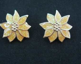 Vintage 1960's Gold Poinsettia Sparkle Clip Earrings