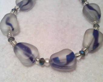 Blue and white pear bead bracelet