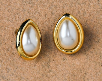 Gold & Pearl Teardrop Earrings