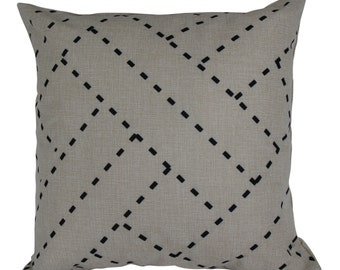 ZIGGY LINES cushion