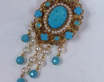 Vintage, Gold Tone, Filigree, Cabochon  & Faux Pearl Pendant Brooch (2475)