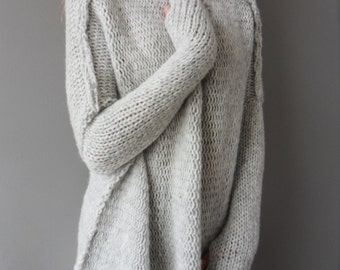 Oversized / Slouchy / Bulky knit sweater. Alpaca/Wool women  sweater.