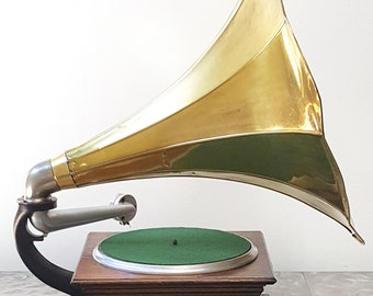 "1908 Columbia ""BN"" Graphophone phonograph"