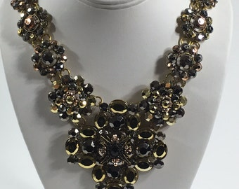 Bib Necklace: BB116