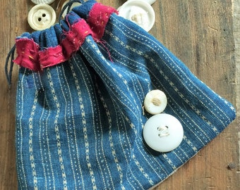 Sweet Ditty Bag-Seed Bag-Button Bag Old Blue and Claret Calico White Buttons FAAP