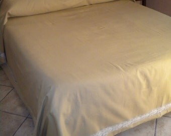 Double Ochre yellow cotton blanket with cotton lace