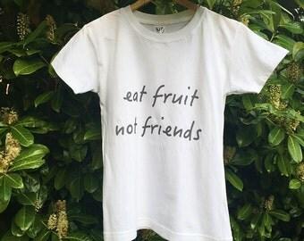 Vegan T-shirt for Women - Eat fruit not friends