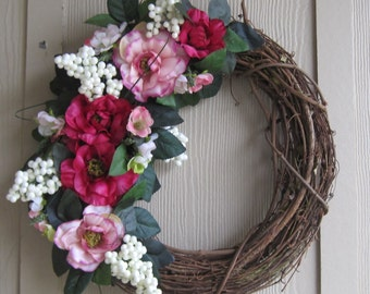 14 inch Grapevine Wreath with Pink Poppies