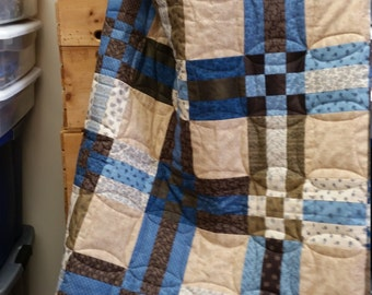 Handmade Full-size Union Blues Fence Rail Quilt, 1800 reproduction fabric fence rail and nine-patch quilt,