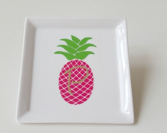 Pineapple Monogram Trinket Dish//Pineapple Initial Trinket Dish//Personalized Trinket Tray//Preppy Gift//Custom Gift//Pineapple Trinket Tray