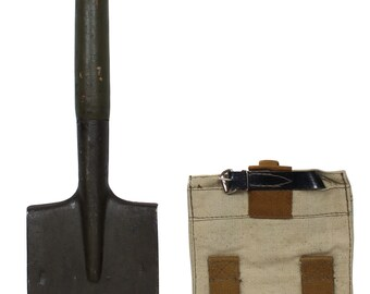 Soviet Army Infantry Spade / Military shovel with cover